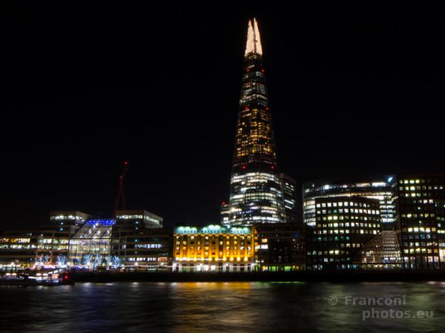 Londra by night nelle fioche luci di Brexit.