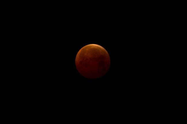 Appuntamento con la luna rossa.